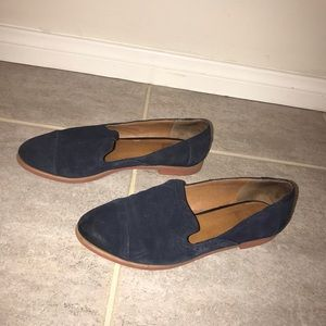 Dolce Vita navy blue suede flats
